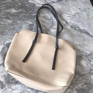 Classy handbag 👜